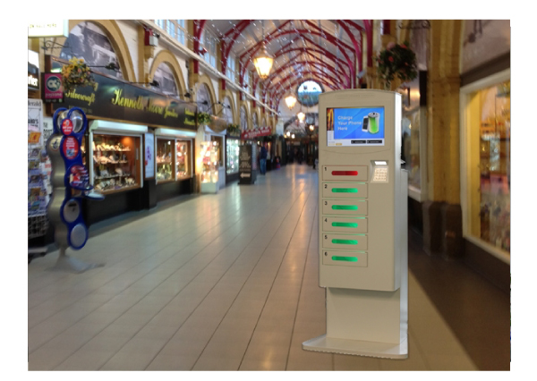 Coins / Bills Accepted Train Station , Cell Phone Charging Tower Station With Deposit Locker